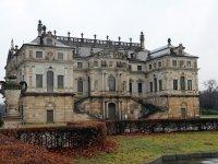 Palais im großen Garten in Dresden im Winter